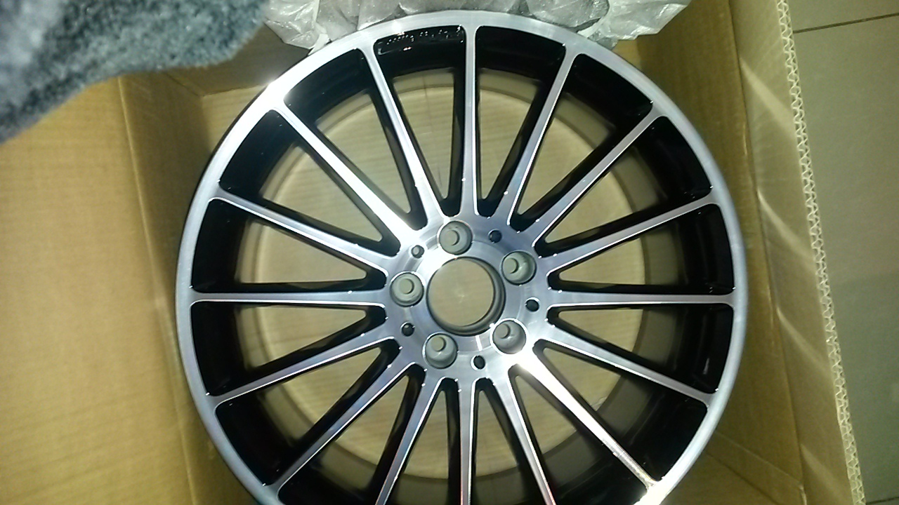 One Brand New 19 Quot Amg Mercedes Benz Multispoke Rim Junk Mail