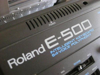 Roland E 500