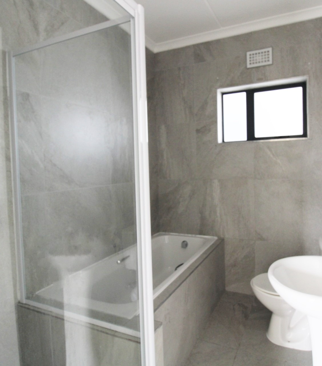 Apartment For Sale in Parklands East