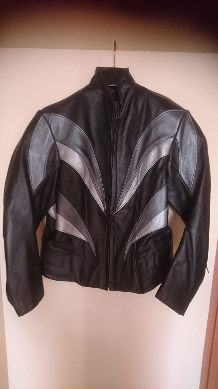 Leather jacket for lady for sale