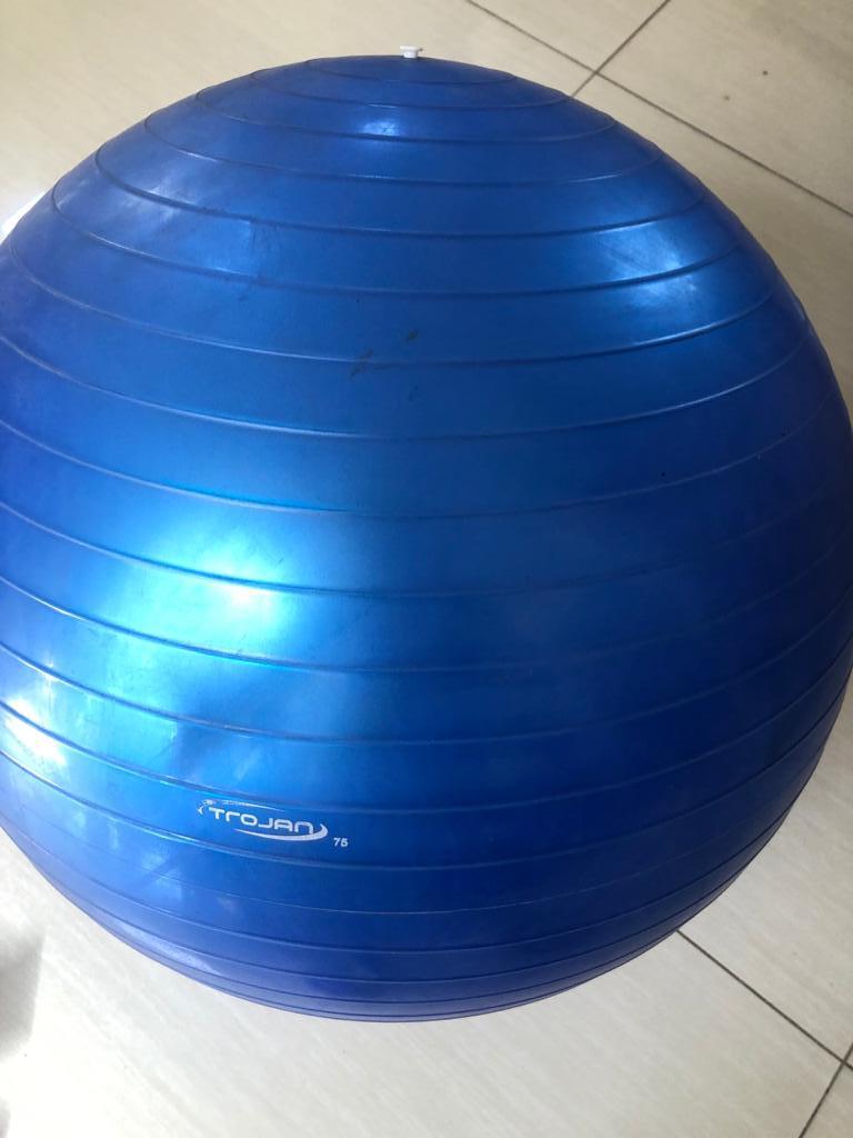 Trojan Large Pilates exercise ball for Yoga / Pilates / Exercise – 75cm - as new