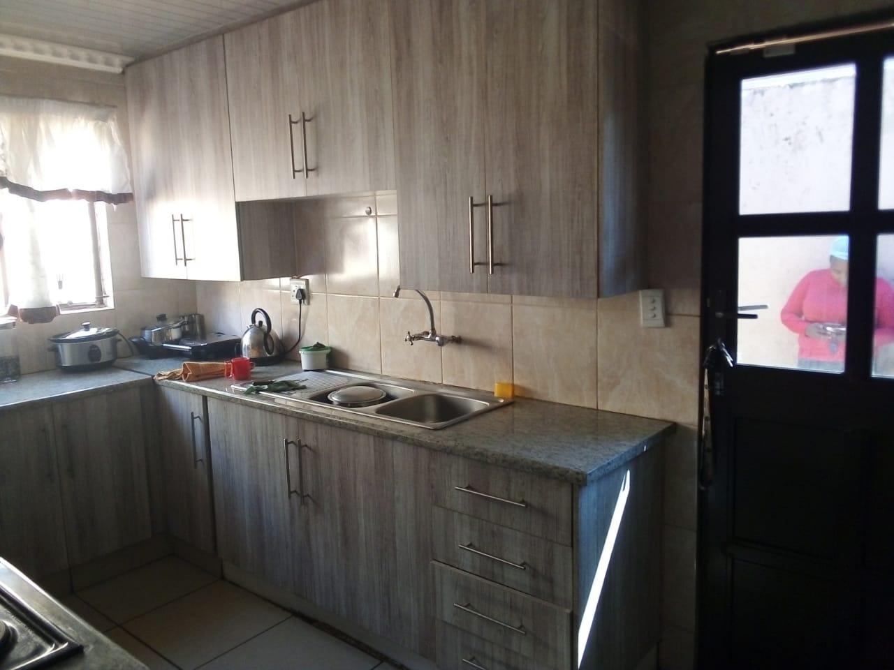 House For Sale in Roodekop
