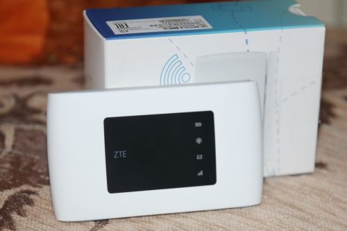 ZTE MF920V 4G (LTE) mobile wifi router-unlocked in box **STYLISH** TO SELL/  SWOP for cellphone