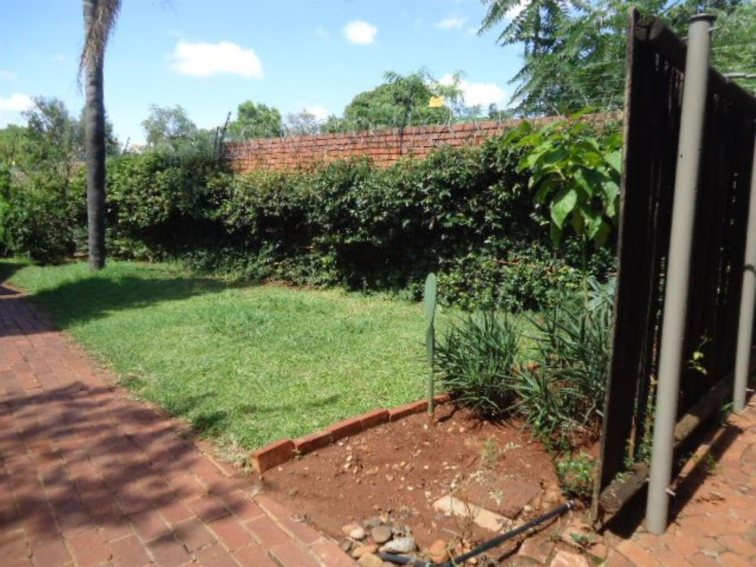 Townhouse For Sale in HATFIELD