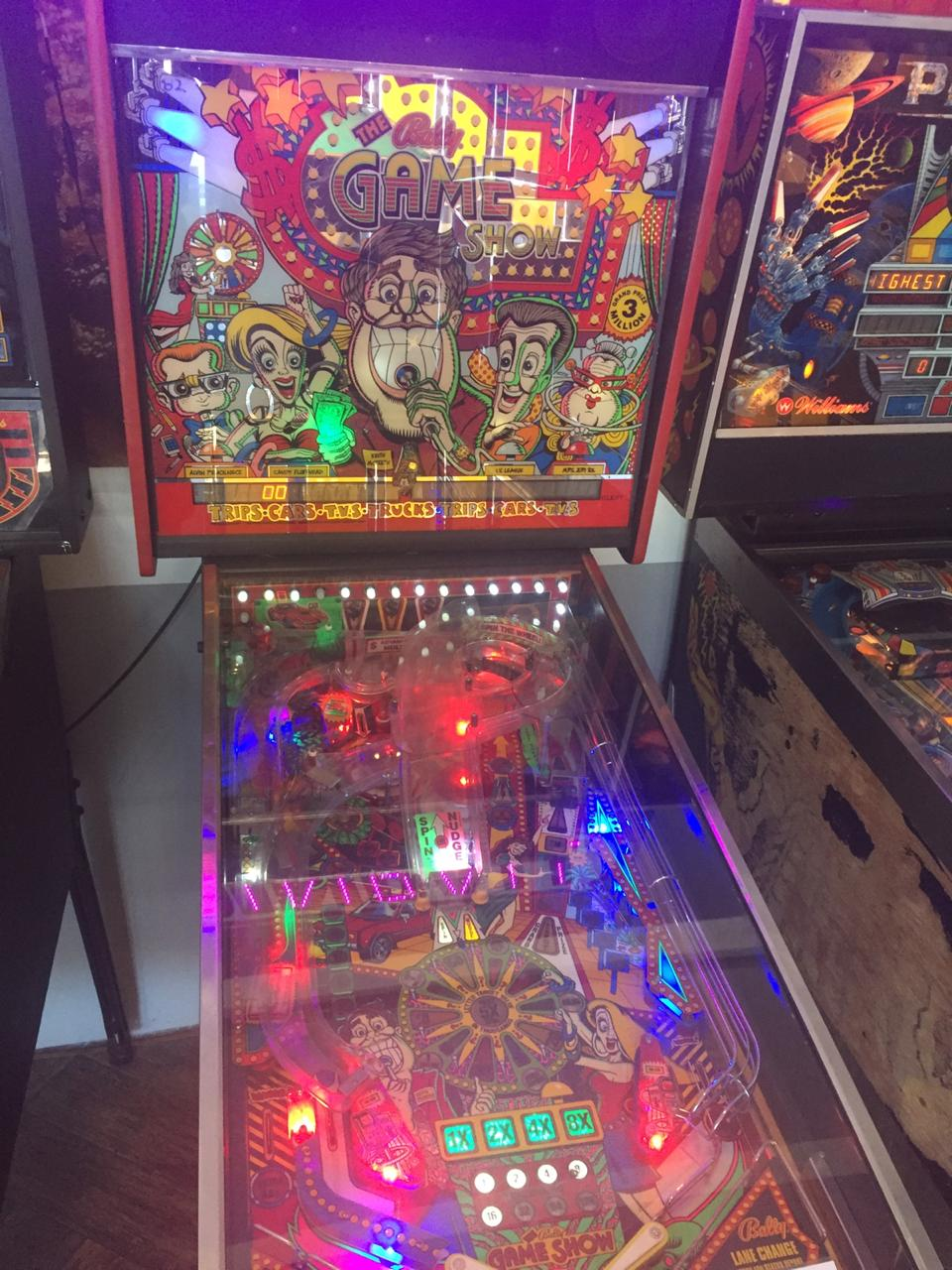 Pop-Up Arcade in Eastgate , come play : Pinball machines, pool tables, air hockey and more