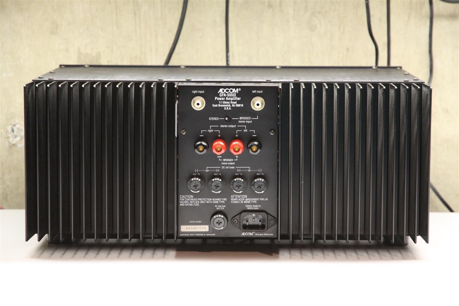 ADCOM GFA 555 MKII STEREO POWER AMPLIFIER
