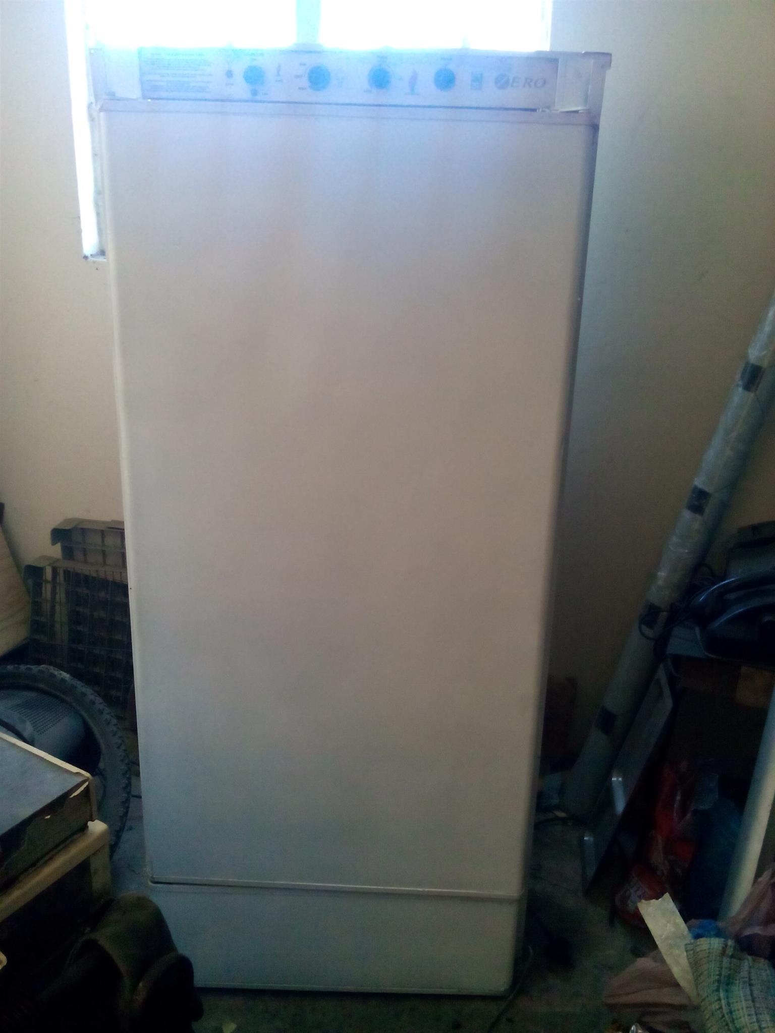 Zero gas & electric fridge