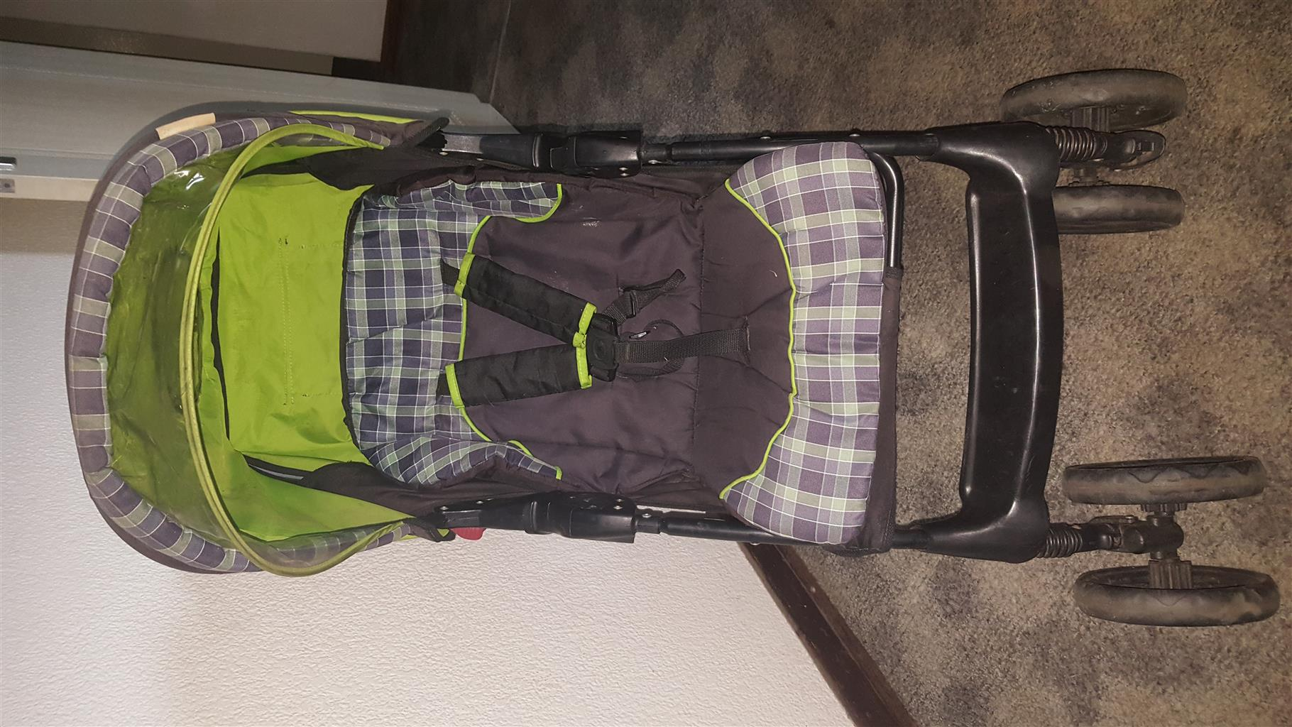 Chelino pram with car seat for sale