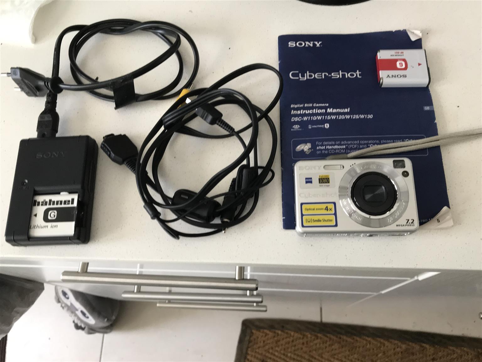 Sony Cyber-shot  DSC-W110   7.2MP Digital  Camera