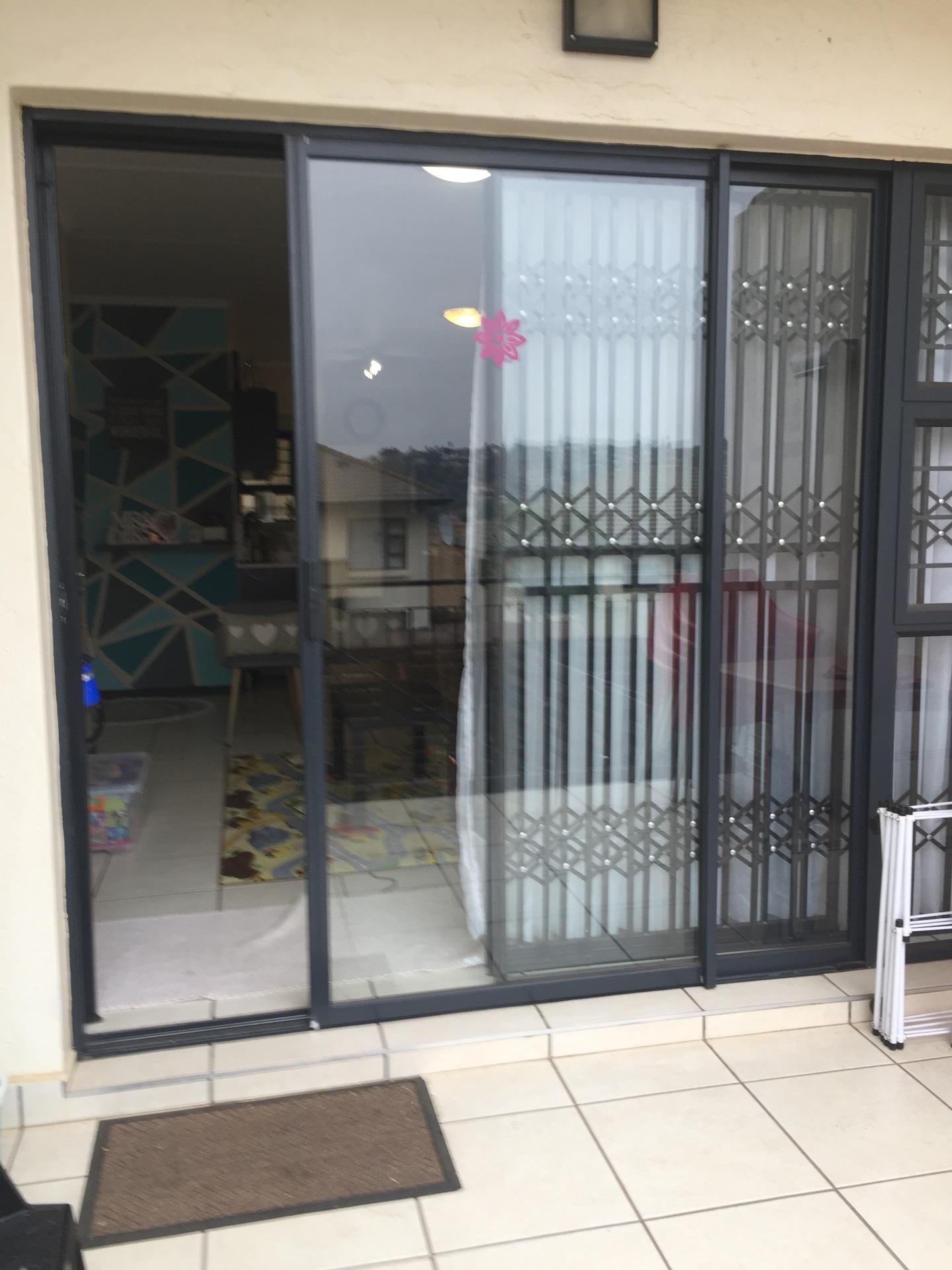 Townhouse For Sale in Glenanda