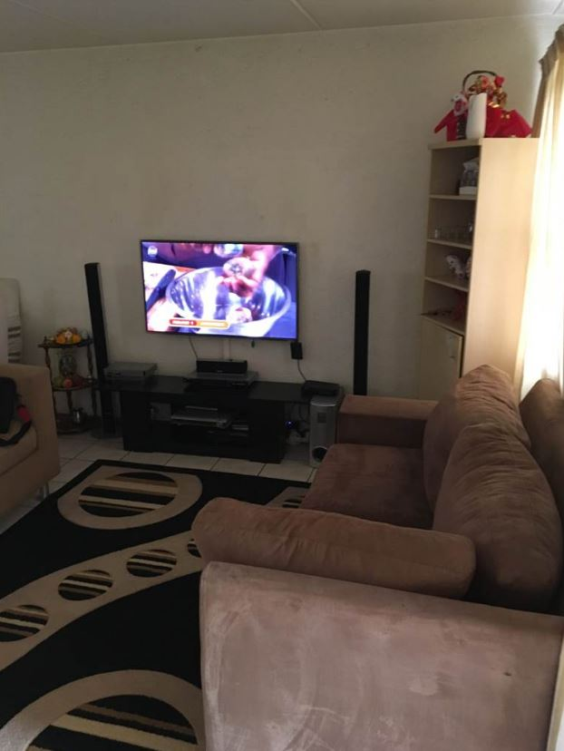 Spacious 2 Bedroom Townhouse in Vorna Valley