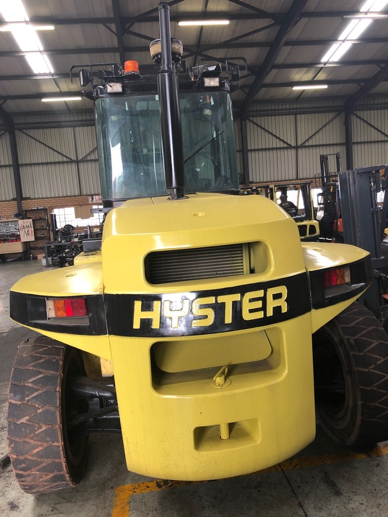 14 ton Hyster forklift