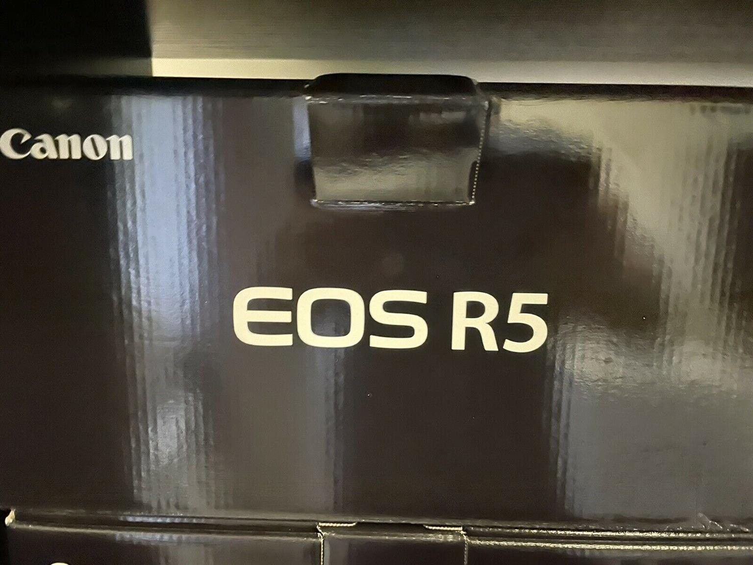 Used Canon eos R5