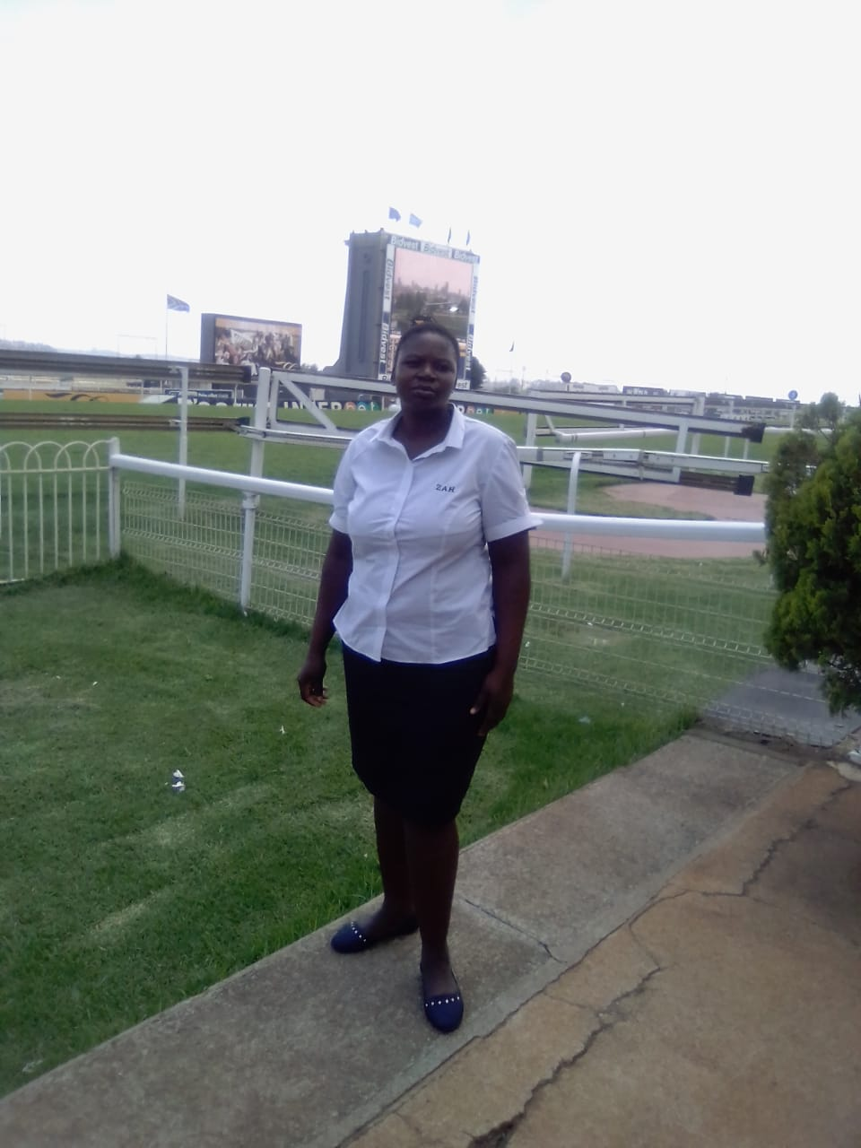 Energetic and hard working care giver/housekeeper from Zimbabwe needs stay in full time work.