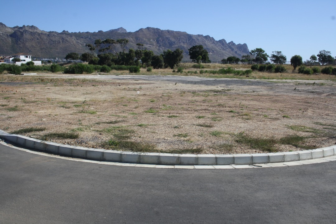 Vacant Land Residential For Sale in Gustrouw