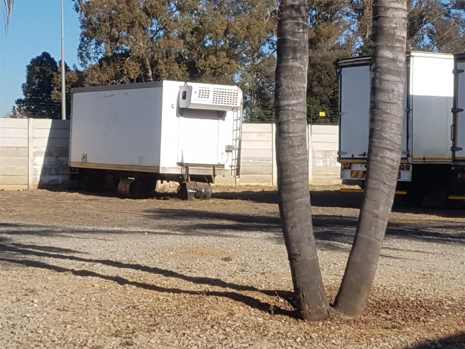 Refrigerated truck boxes