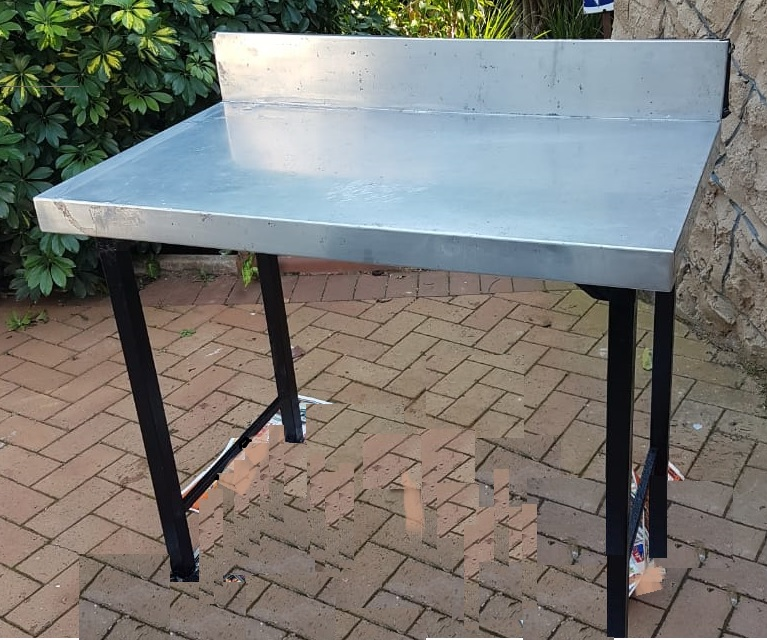 Stainless steel table with splashback 1.1m