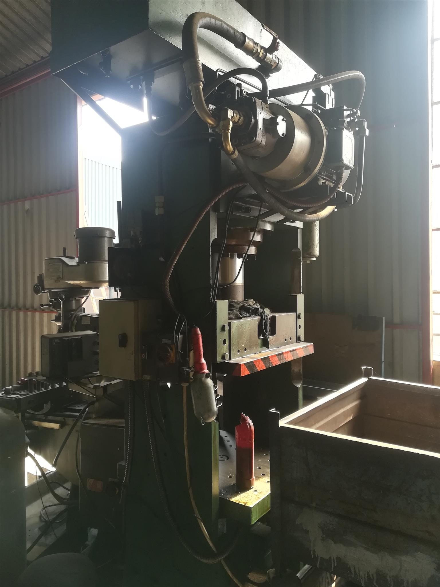 120 ton hydraulic press for sale