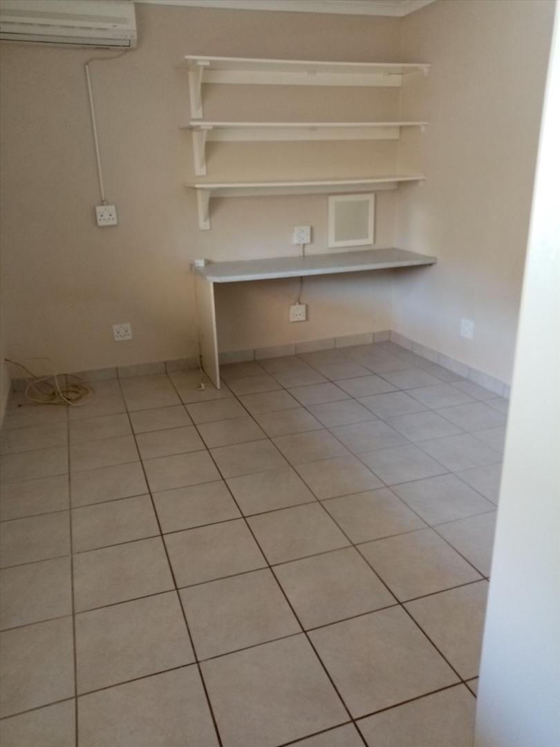 Lyndhurst Estate 2bedroomed townhouse to rent for R5000