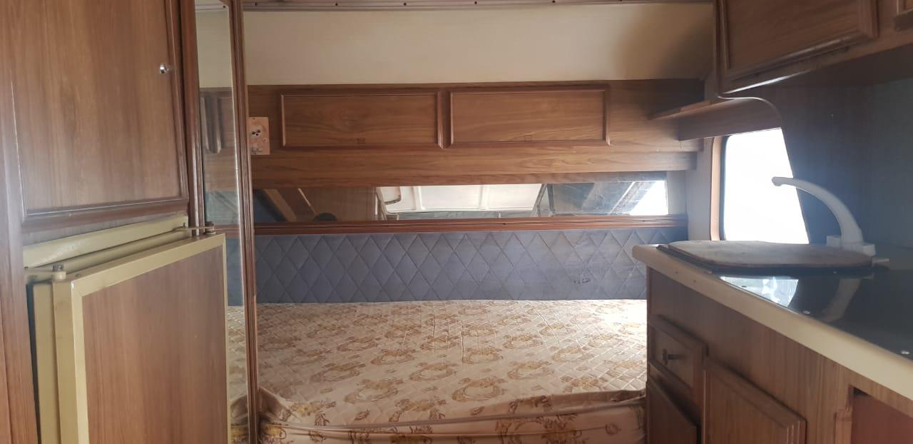 Contractors caravan for living purpouses only + Shower