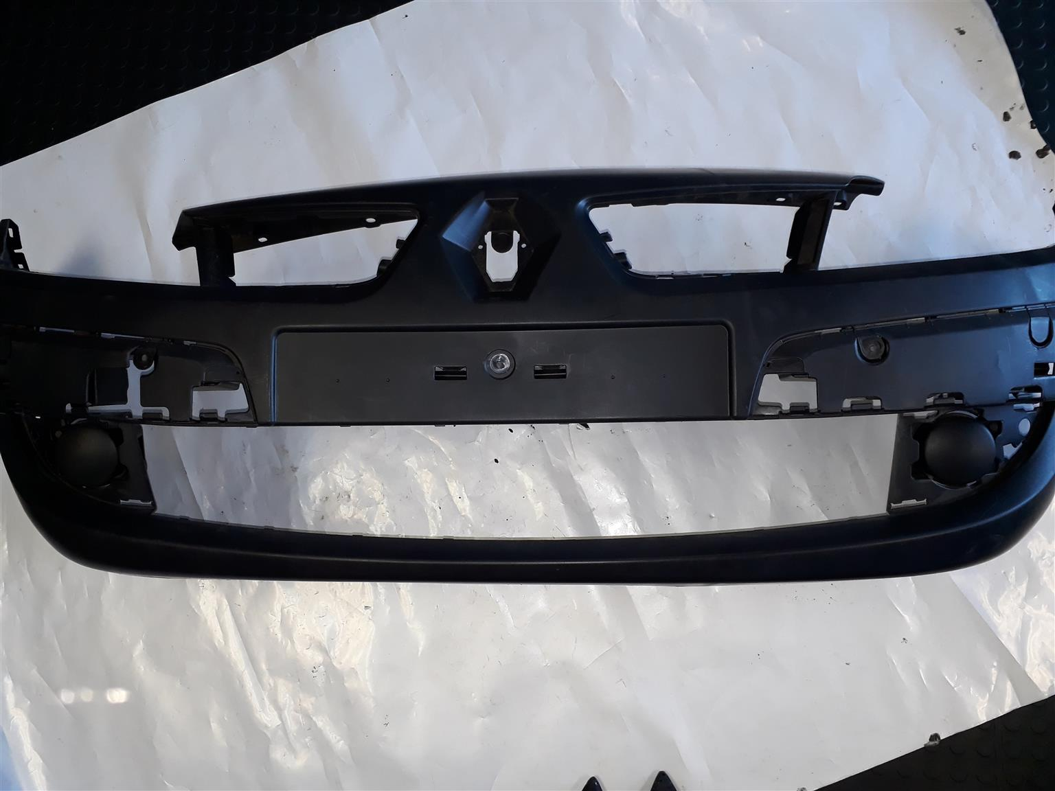 SCENIC 2 FRONT BUMPER RENAULT FOR SALE