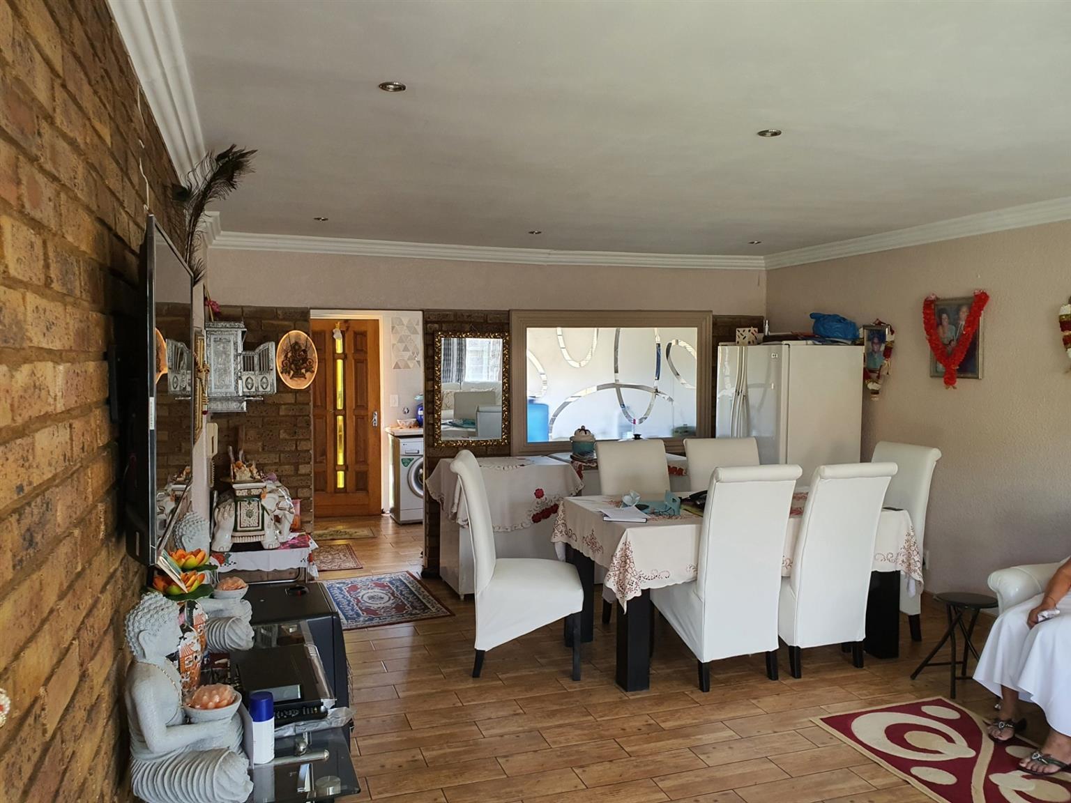 Townhouse For Sale in Brackendowns