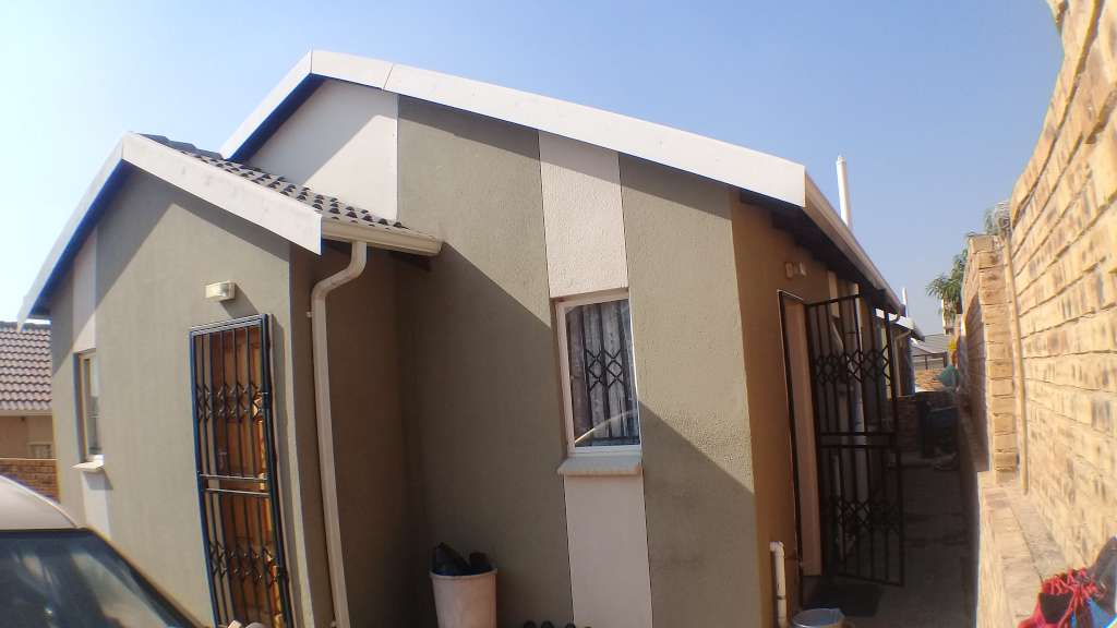 3 bedroom House for Sale at Cosmo City