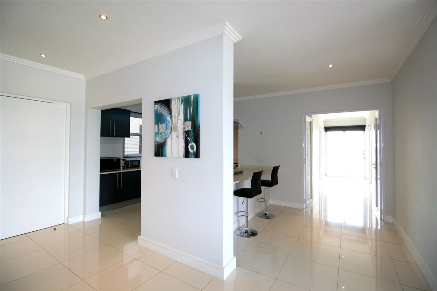 Penthouse Rental Monthly in BRYANSTON