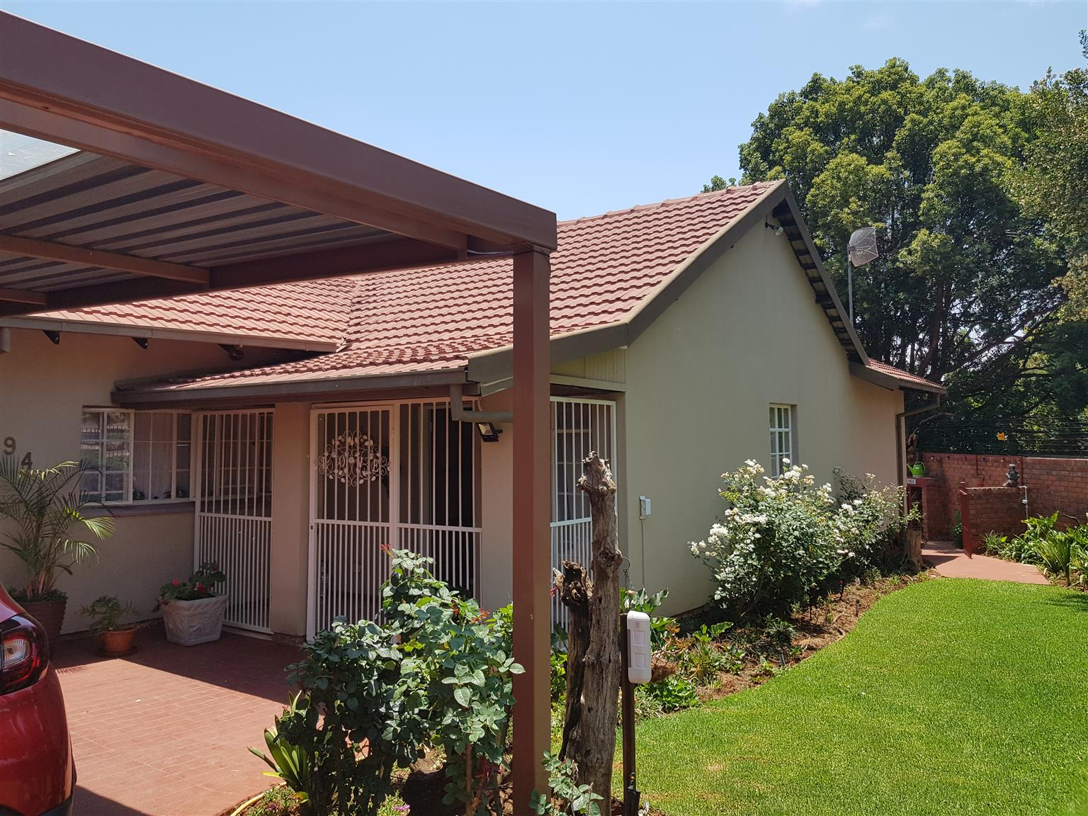 Garsfontein House to rent, 3 bedroom, 2 bathrooms