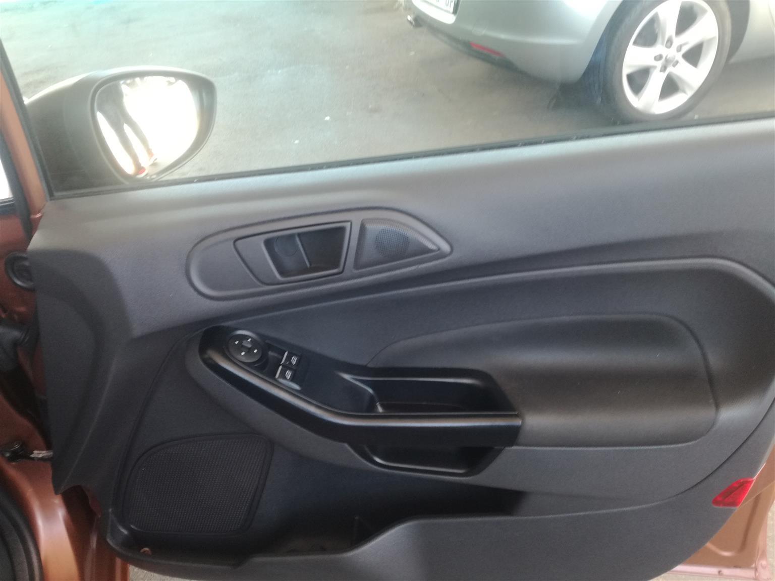 2016 Ford Fiesta sedan 1.6 Ambiente