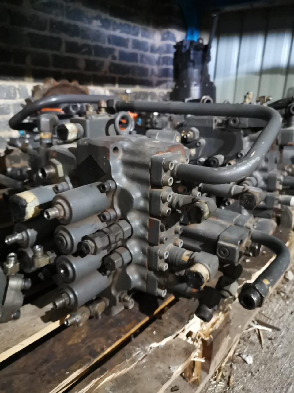 Volvo excvators swing motors and valve bank
