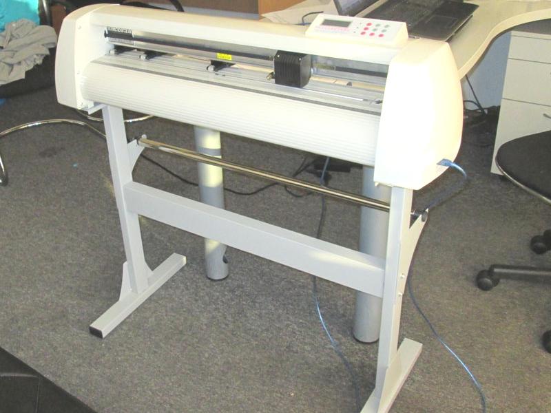 V-807 V-Series High-Speed USB Vinyl Cutter, 800mm Working Area, In-house VinylCut Software