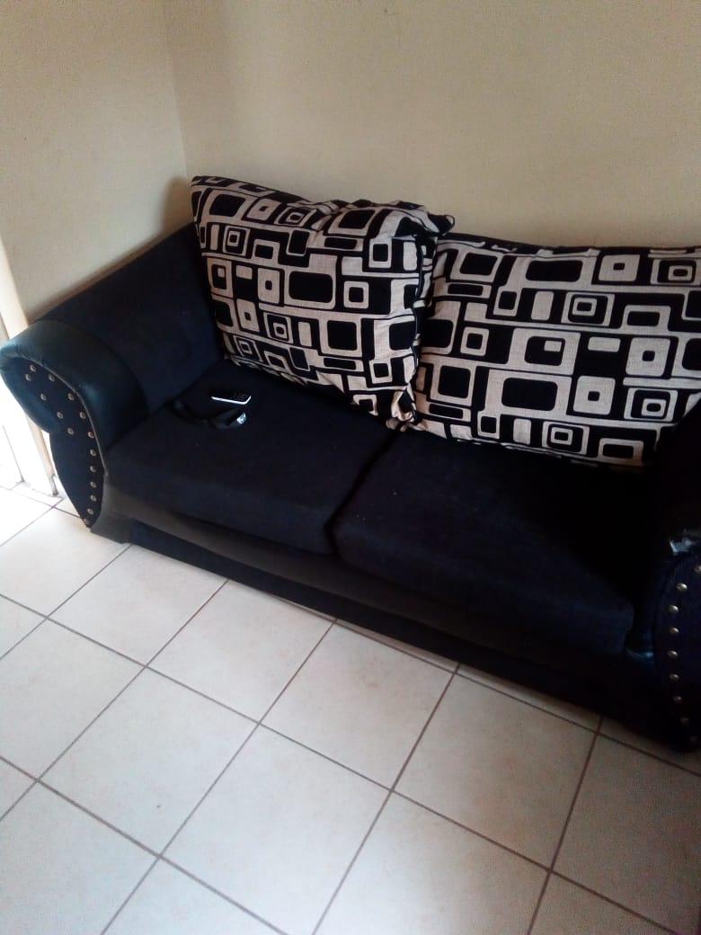 3 Piece Lounge Suite For Sale