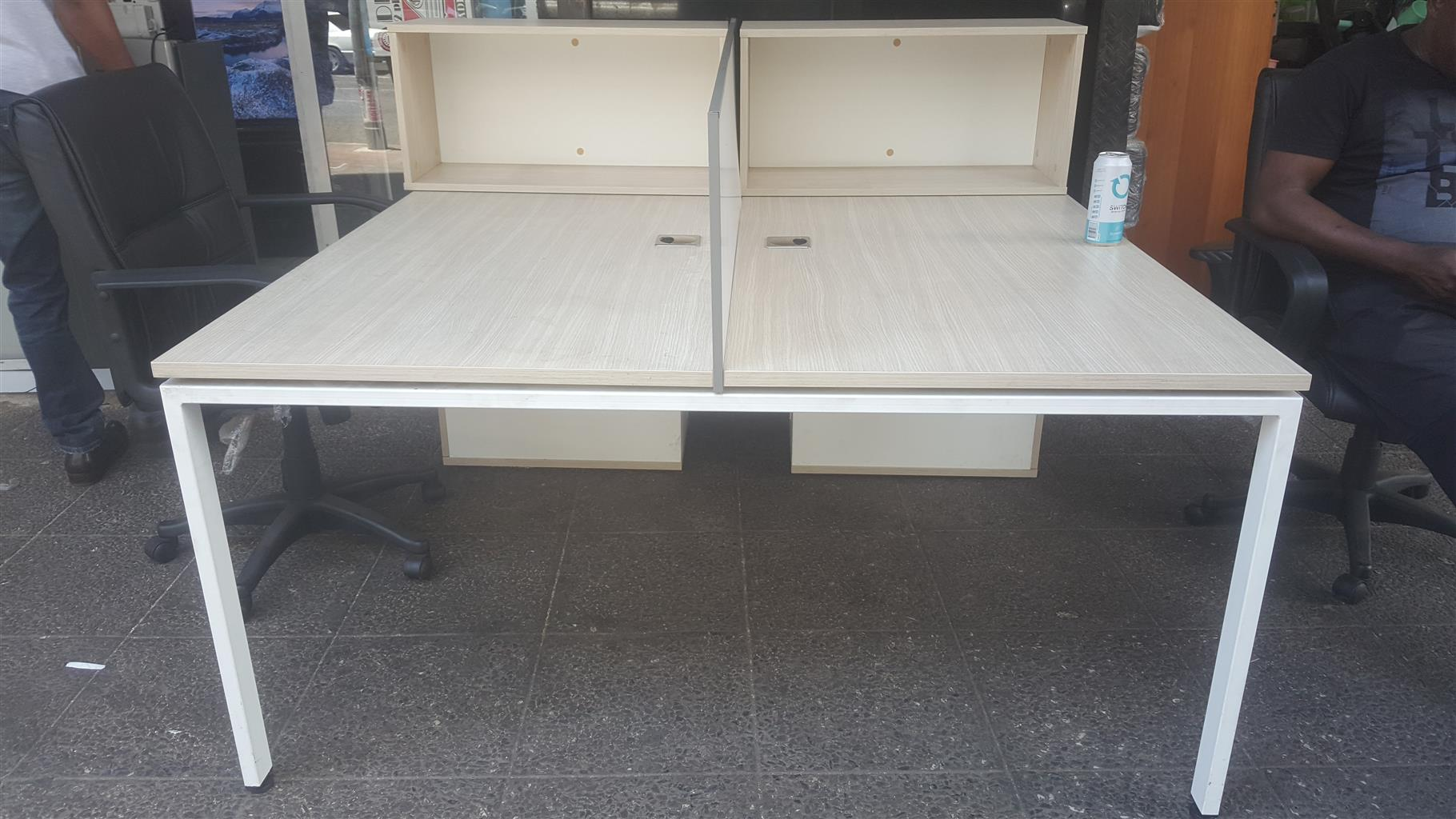 Office Desk/chairs