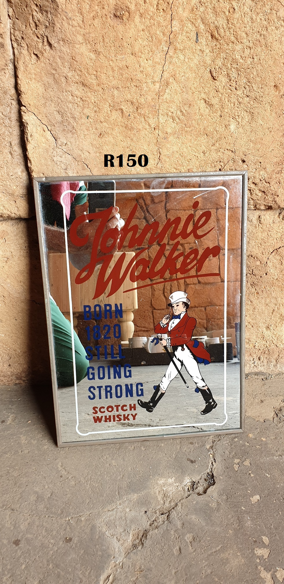 Johnnie Walker Bar Decoration (280x380)