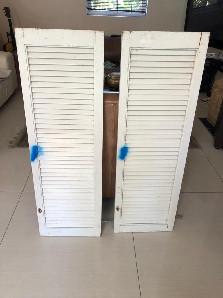 Set of louvre bar doors - Ideal as a set of saloon/swing doors for a kitchen