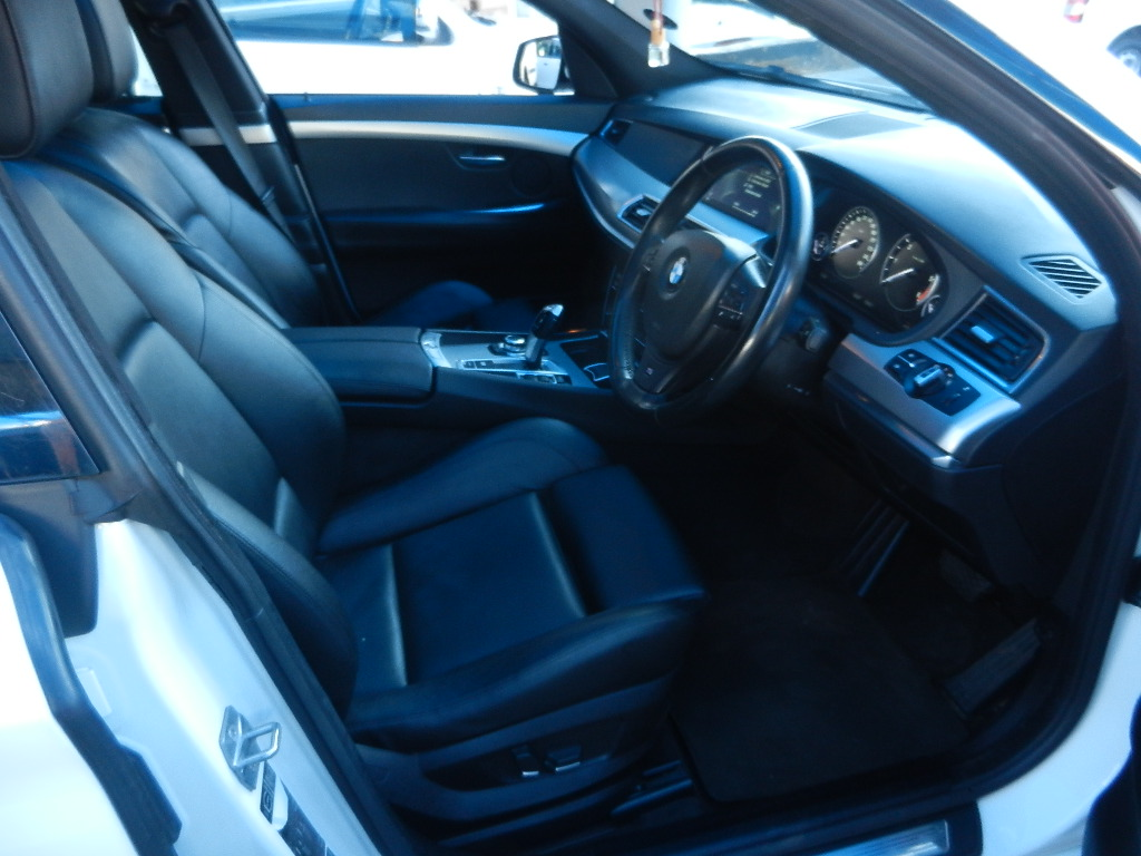 2013 BMW 5 Series Gran Turismo 530d GT M Sport