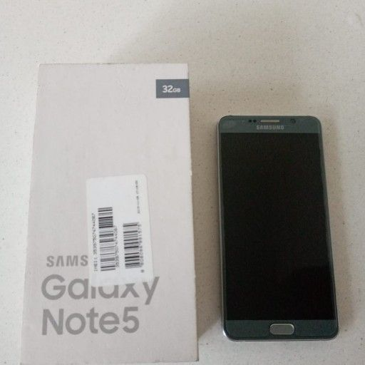 SPOTLESS SAMSUNG GALAXY NOTE 5 WITH BOX AND ACCESORIES FOR CHEAP QUICK SALE