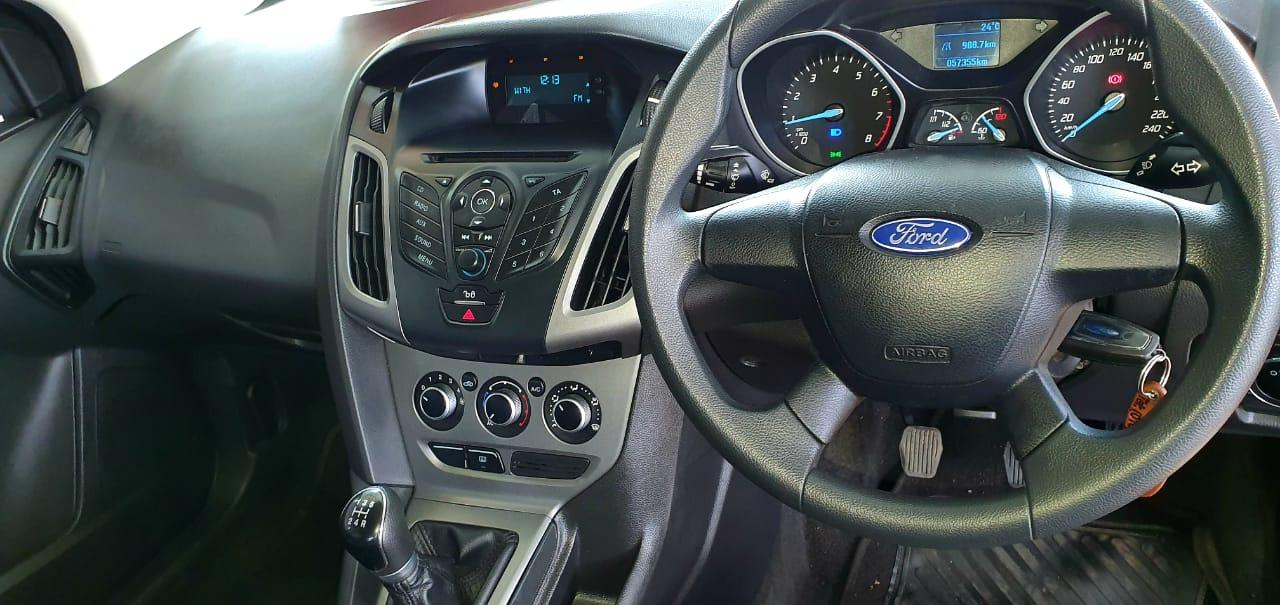 2014 Ford Focus sedan 1.6TDCi Ambiente