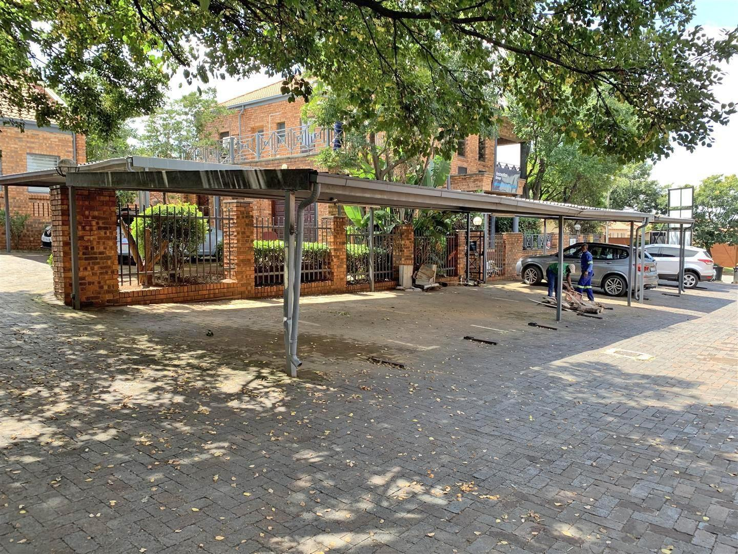 Retail For Sale in Bromhof