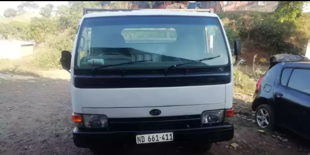 UD40 TRUCK FOR SALE