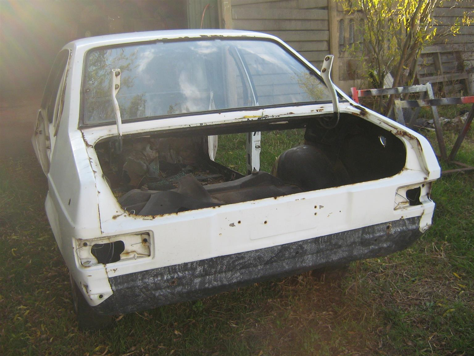 Ford Escort Mk2 4door Stripping For Spares Junk Mail