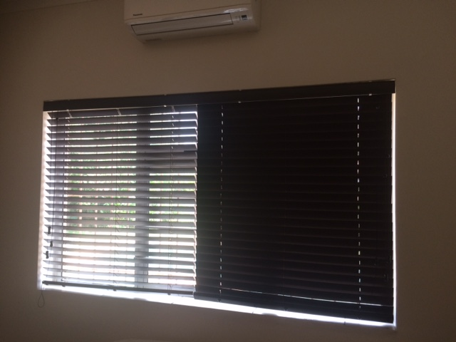 Blinds brown Thermowood