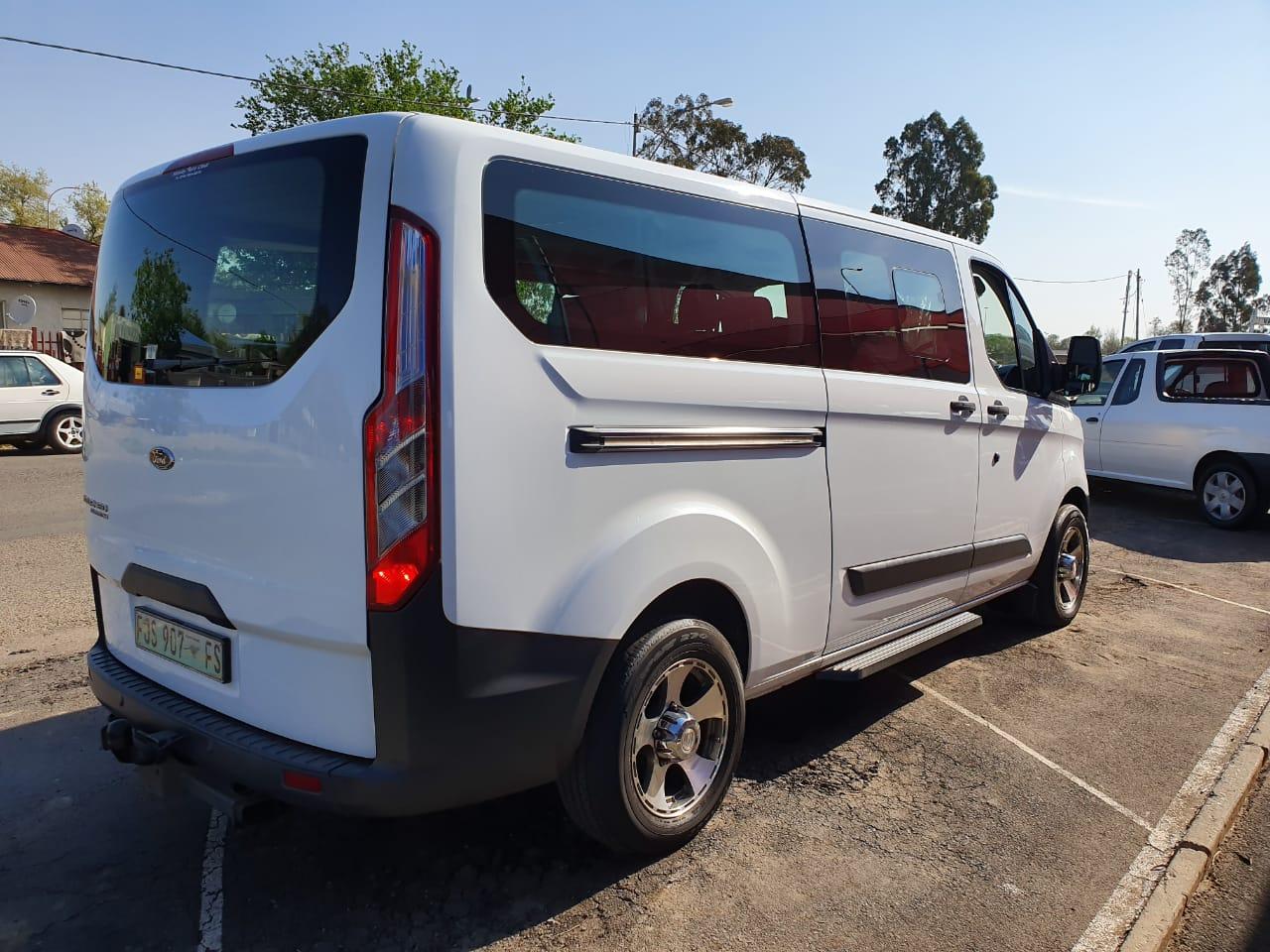 2013 Ford Tourneo Custom