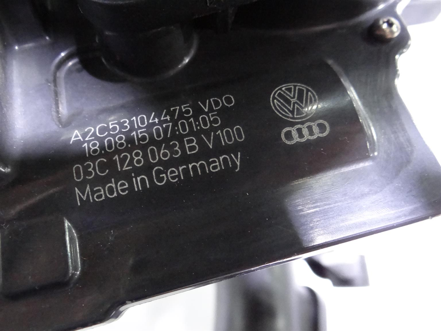 VW 1.4 TSI Air Filter connecting parts