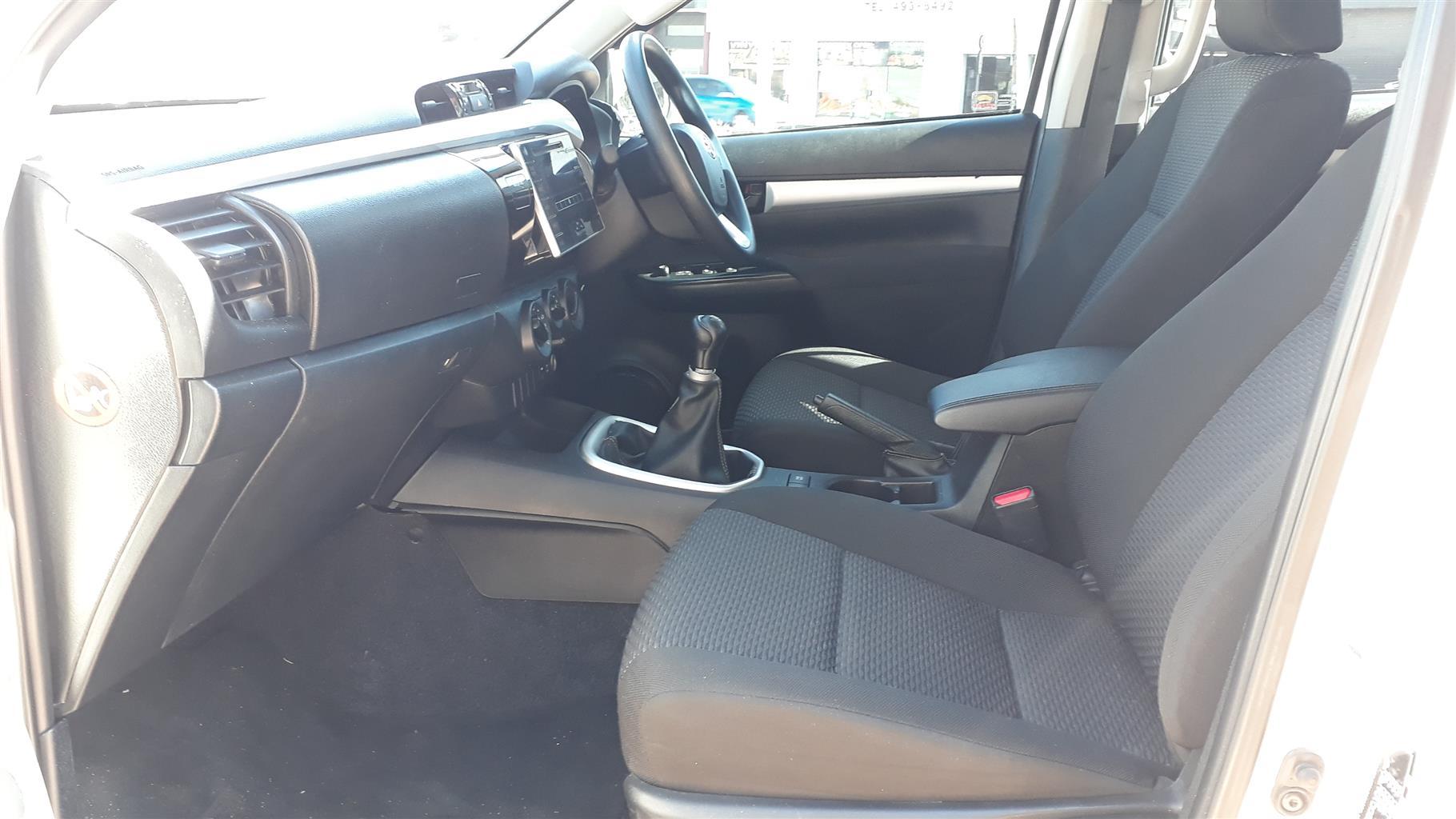 2016 Toyota Hilux 2.4GD 6 double cab SRX