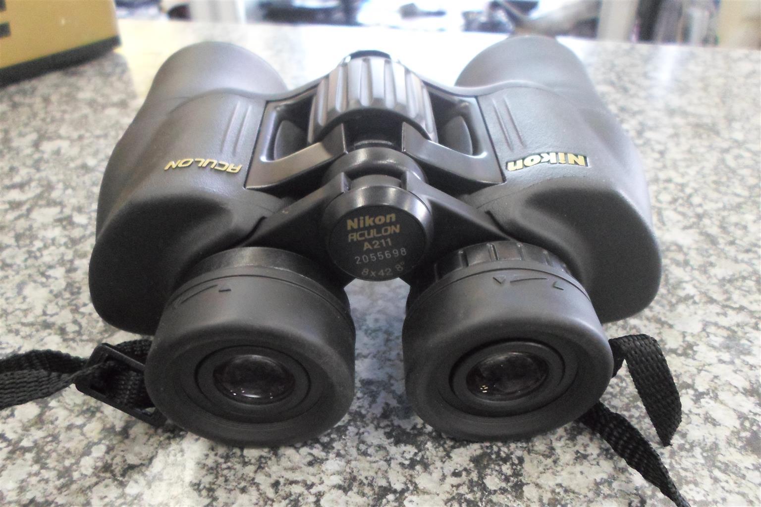 Aculon A211 8x42 Binocular