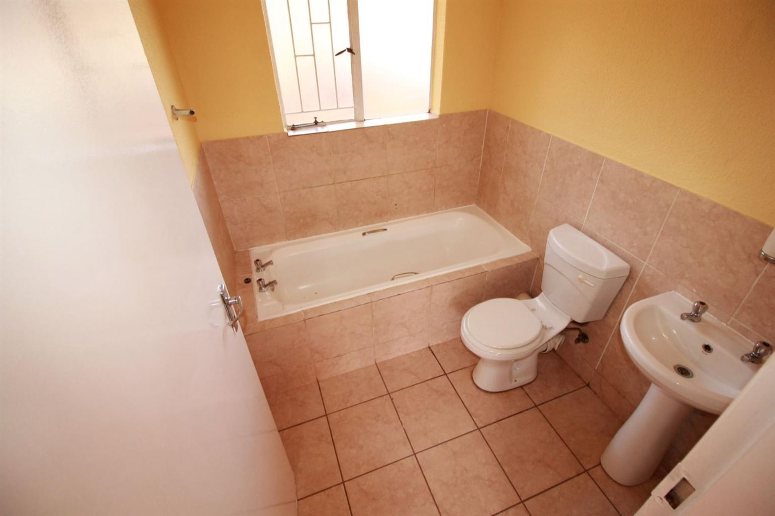 Townhouse For Sale in CLARINA