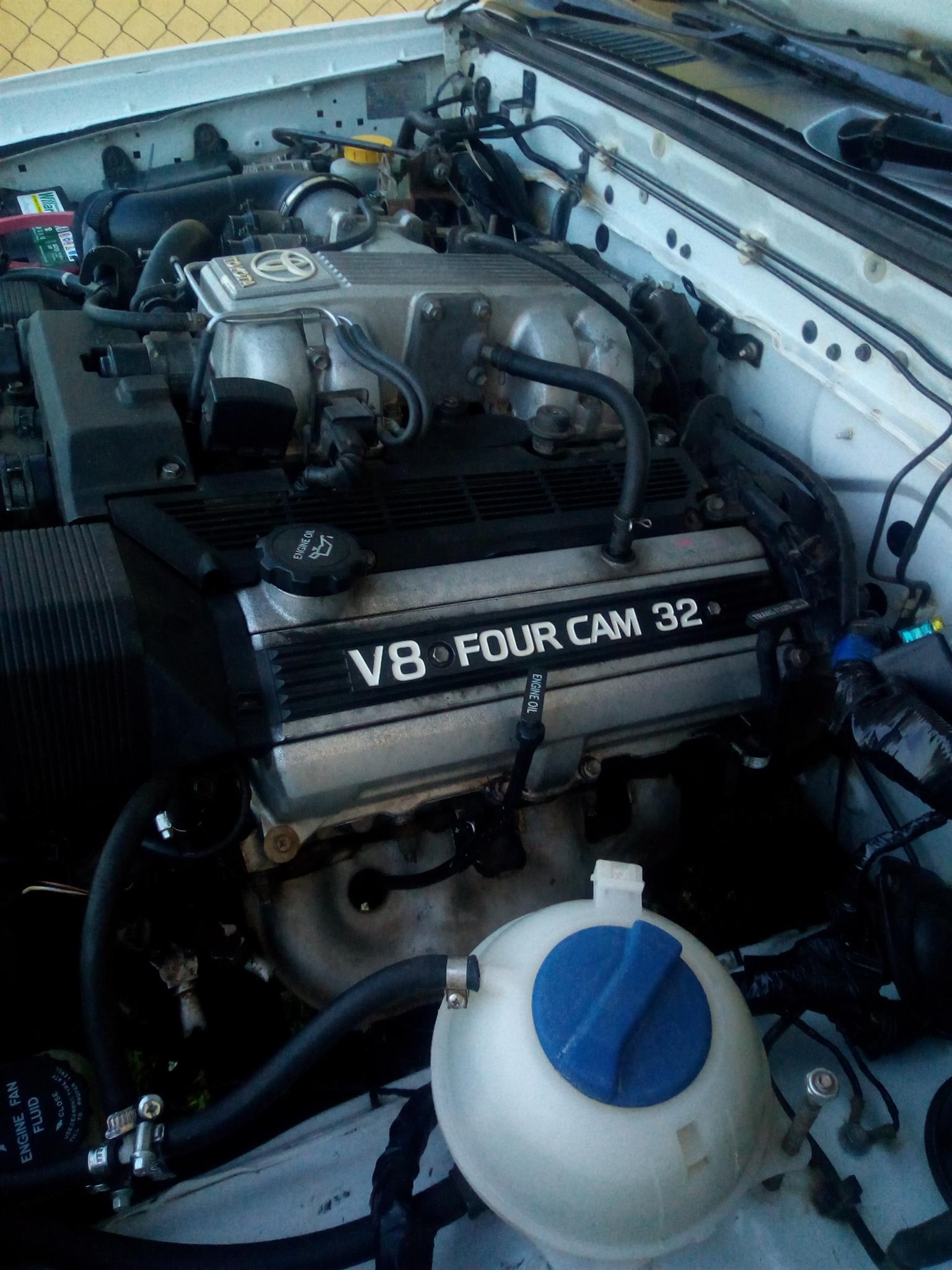 2008 Nissan NP300 Hardbody 2.0 (aircon)