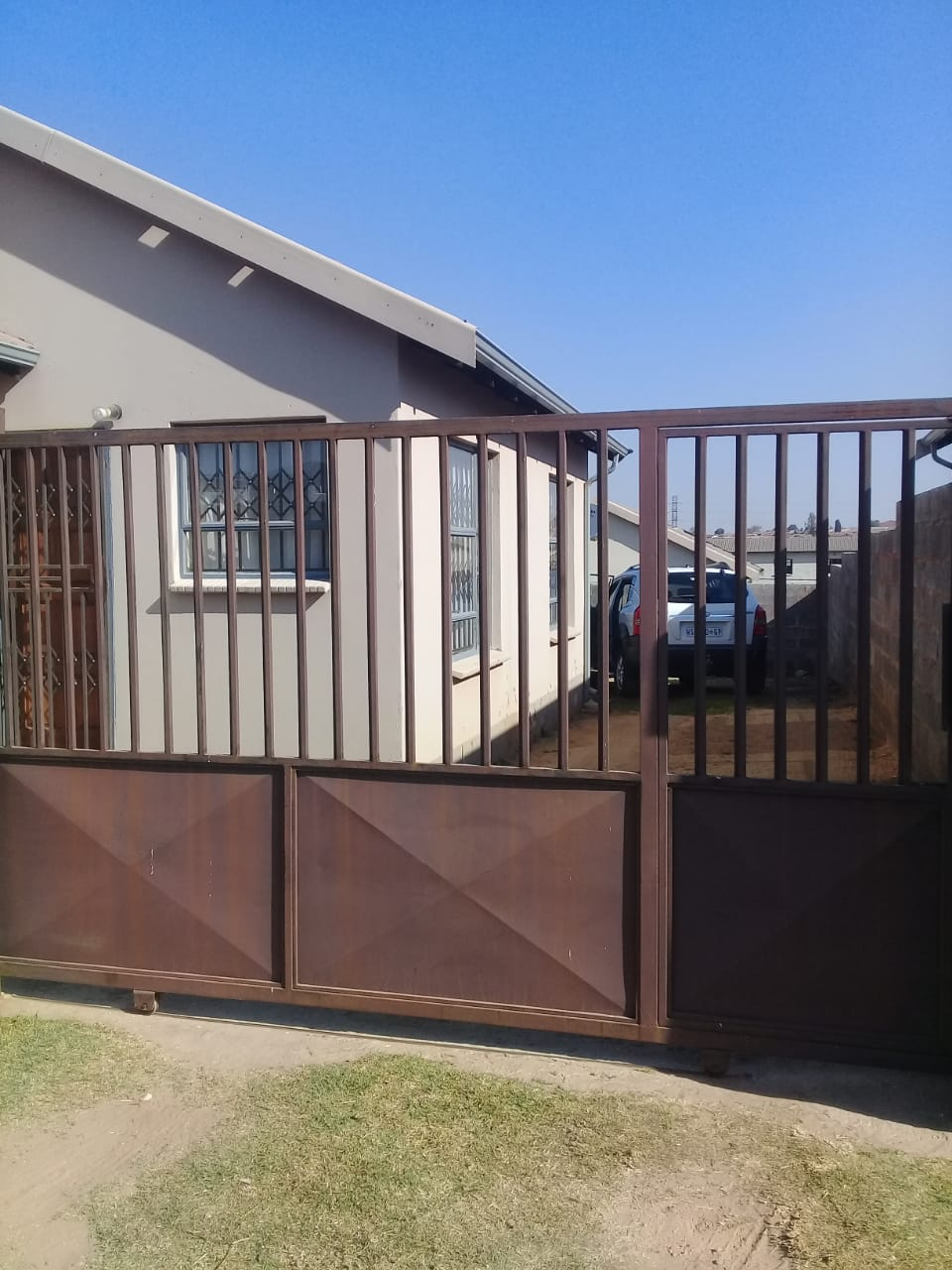 LOOKING TO BUY A PROPERTY IN VOSLOORUS CALL US